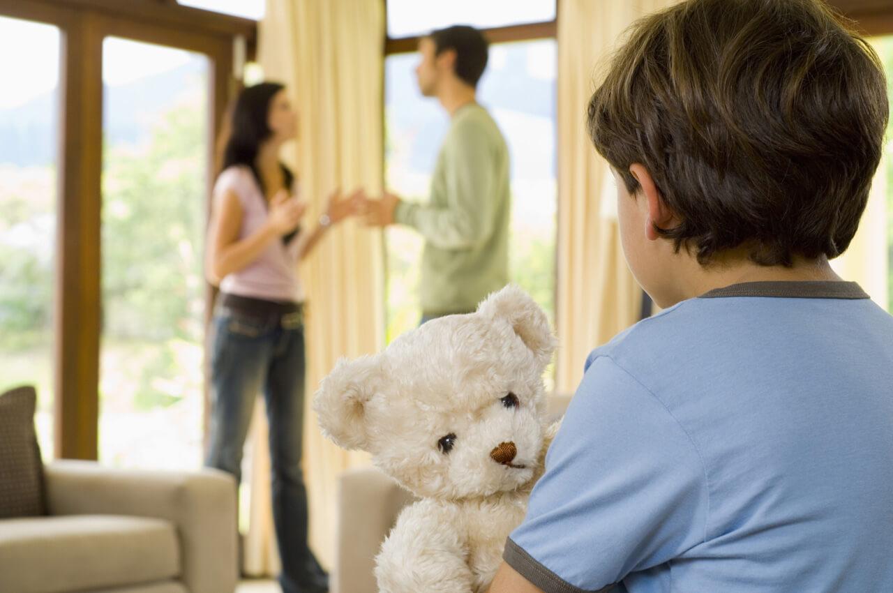 кажется порядок общения отца с ребенком после развода была совершенно