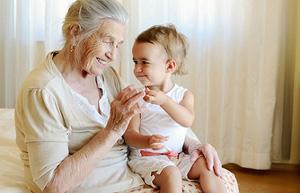 счастливая бабушка