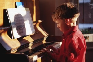 игра на пианино