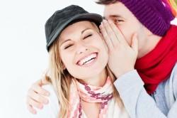 Попытка развеселить девушку - признак влюбленности