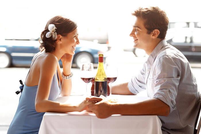 Как вести себя на первом свидании и расположить к себе партнёра?