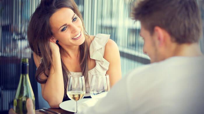 идеальное свидание в кафе