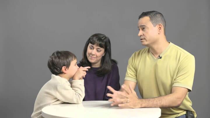 Родители рассказывают ребенку о сексе