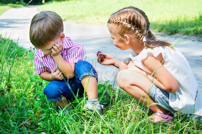 Сестра просит прощение у брата